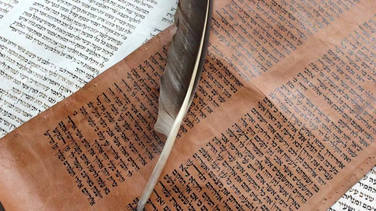 How-Did-Salvation-and-Forgiveness-Take-Place-in-the-Old-Testament-author-scott-lapierre